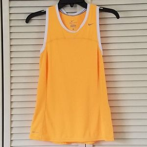 NIKE DRI FIT RACER BACK TANK TOP WOMEN SIZE SMALL